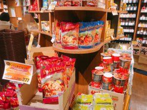 タイ料理の商品が並んでいる