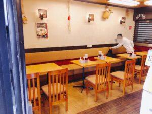 成田駅そばテーブル席