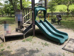 公園にあるすべり台