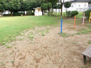 公園にある鉄棒