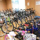自転車が陳列されている